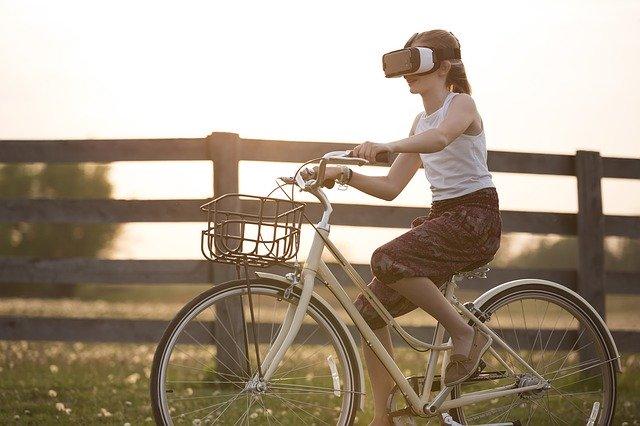 Wirtualna rzeczywistość vs realna rzeczywistość